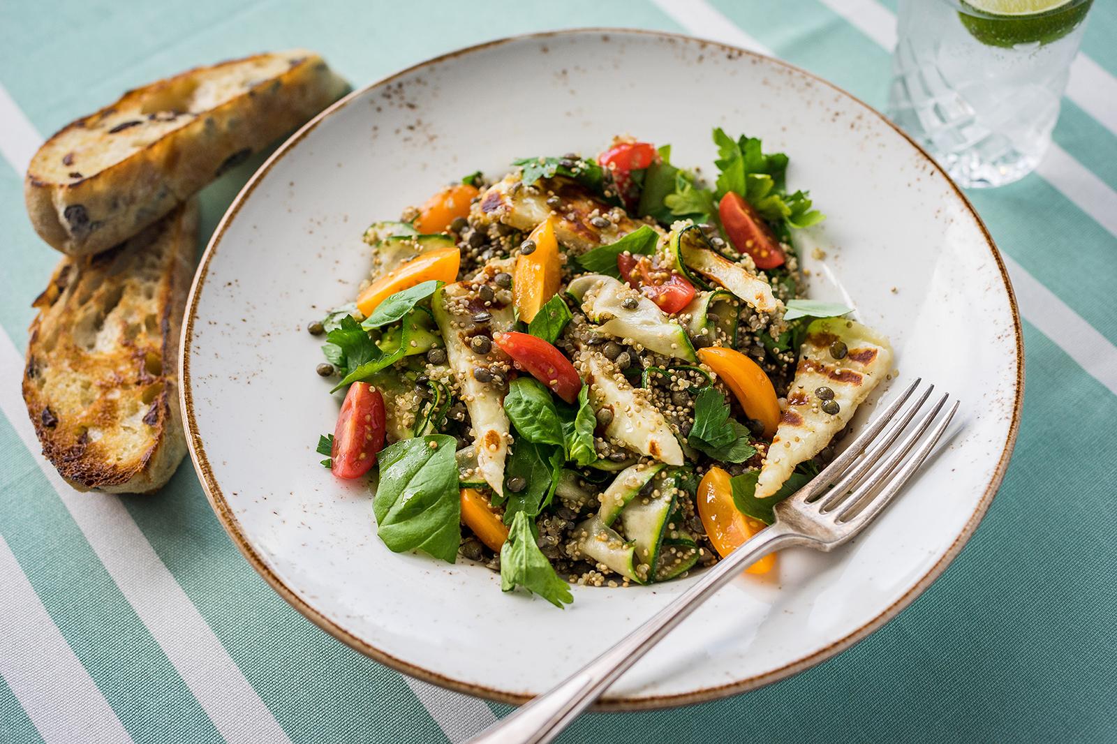 Zucchini_halloumi_tomato_salad -1800 copia